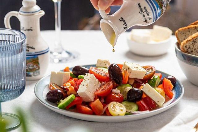 salat-restaurant-hotel